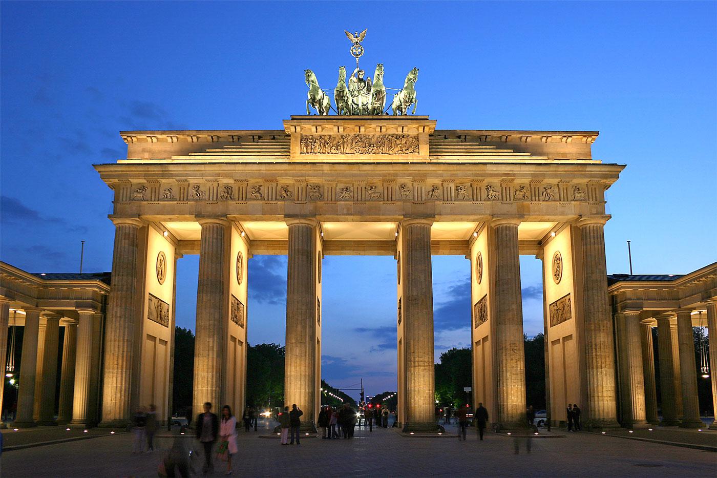 پذیرش دانشگاه آلمان یونی اسیست | تهران کردیت کارت